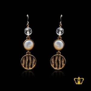 Golden-round-dangling-earring-inlaid-with-exquisite-crystal-diamond-lovely-gift-souvenir-for-her