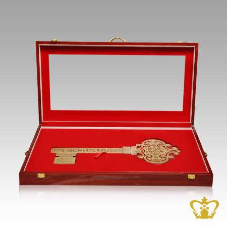 Crystal-key-cutout-with-golden-Arabic-word-calligraphy-la-ila-ali-un-Islamic-religious-occasions-gift-Eid-Ramadan-souvenir