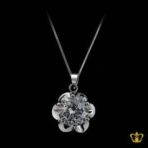 Silver-flower-pendant-inlaid-with-alluring-crystal-diamond-lovely-gift-for-her