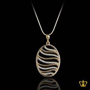 Opulent-luxurious-golden-oval-pendant-lovely-gift-for-her