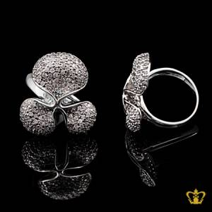 Amiable-modish-silver-flower-ring-inlaid-with-crystal-diamond-elegant-gift-for-her