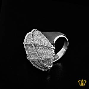 Stylish-silver-designer-cross-pattern-ring-inlaid-with-crystal-diamonds-lovely-gift-for-her