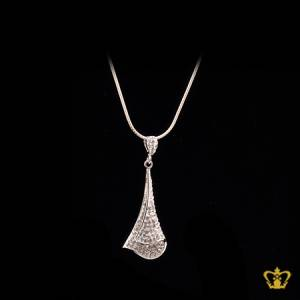 Beautiful-silver-leaf-pendant-inlaid-with-crystals-exquisite-designer-jewelry-gift-for-her