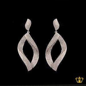 Designer-dangling-leaf-earring-embellished-with-sparkling-crystal-diamond-a-lovely-exquisite-gift-for-her