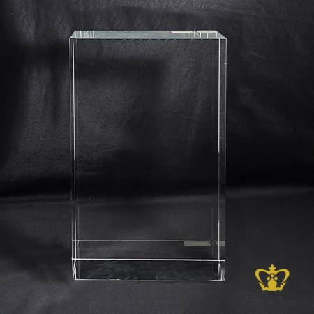 Majestic-crystal-cube-engrave-with-Family-picture-or-VIP-portrait-unique-gift-Souvenir