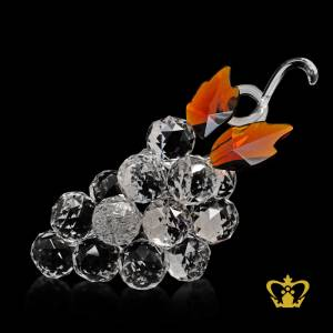 Artistry-crystal-replica-of-a-grapes-with-intricate-detailing-embellish-with-leaves